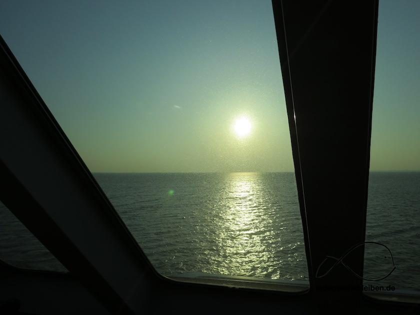 mit Blick aufs Meer